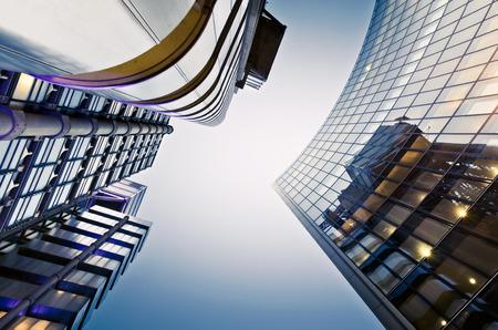 Beroemde wolkenkrabbers in het financiële district van Londen