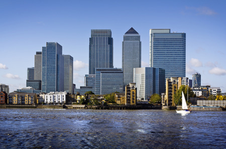 Canary Wharf view from Greenwich. This view includes: Credit Suisse, Morgan Stanley, HSBC Group Head Office, Canary Wharf Tower, Citigroup Centre, One Churchill PlaceBarclays and Riverside apartment. Stockfoto