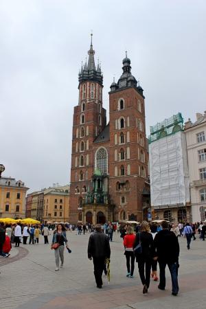 main market: Piazza del Mercato Rynek a Cracovia, Polonia Editoriali