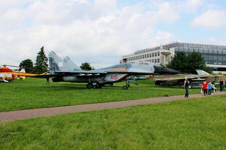 mig: plane Sukhoy Su-27  Editorial