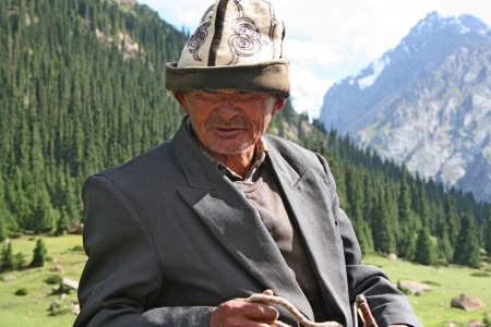 horseman: Kirghizistan cavaliere nelle montagne Tien Shan Editoriali