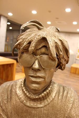 andy warhol: Statue of Andy Warhol, Elesko, Slovakia