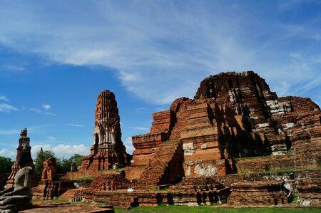 bluesky: Crazy clounds with pagoda at Ayuthaya, Thailand.