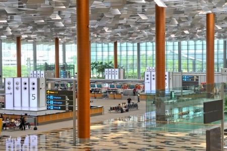 Luchthaven scène van Terminal 3 van Changi Airport in Singapore - waar reizigers op te ontspannen en te wachten op de check-in Redactioneel
