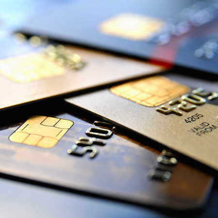 cuenta bancaria: Pila de varias tarjetas de crédito Foto de archivo