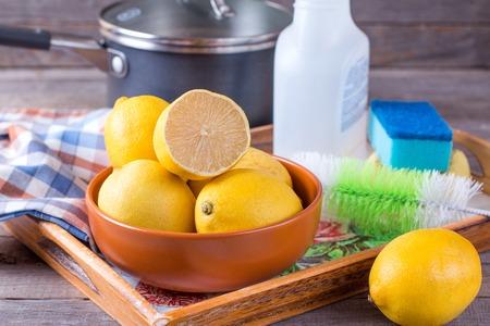 Eco-vriendelijke natuurlijke reinigingsmiddelen