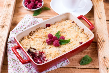 Crumble with raspberries