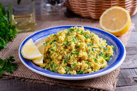 ?auliflower couscous, alternative food, dieting and clean eating concept Imagens