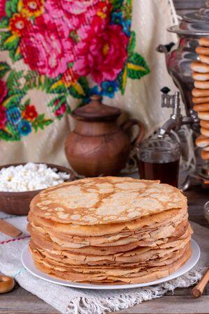 Thin homemade pancakes. Russian bliny. Maslenitsa. Rustic style, close up view Foto de archivo - 137827102