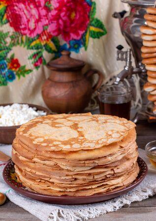 Thin homemade pancakes. Russian bliny. Maslenitsa. Rustic style, close up view Foto de archivo - 137827024