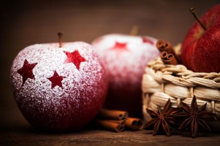 apple cinnamon: Un Natale ancora la vita con mele, cannella e anice stellato. Archivio Fotografico