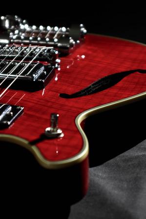 古い赤いギター 写真素材