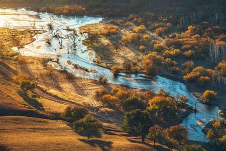 Vista di paesaggio del paesaggio di alba fossa di ventilazione Archivio Fotografico - 88182368