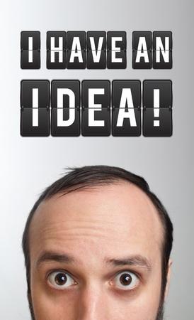 Funny junger Mann mit eine Idee  Standard-Bild - 9328635