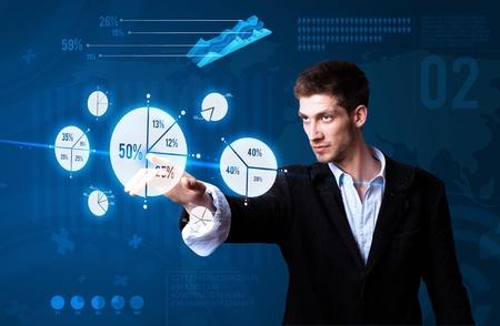 tech: Empresario presionar bot�n gr�fico, tecnolog�a futurista