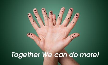 synergy: Feliz grupo de smileys dedo