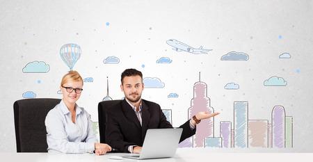 skyscape: Joven empresario y empresaria con coloridos cielo de la ciudad-scape fondo