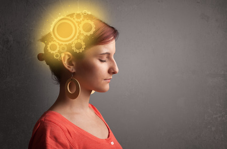 thinking machine: Chica inteligente pensando con una cabeza brillante ilustraci�n m�quina