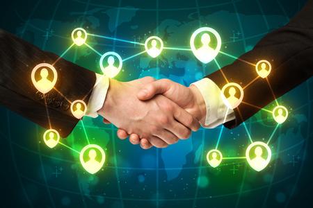 saludo de manos: Negocios apret�n de manos, el concepto netwok sociales