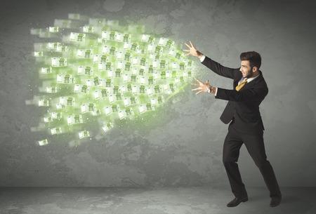 Fiatal üzletember dobott pénz fogalmát a háttérben