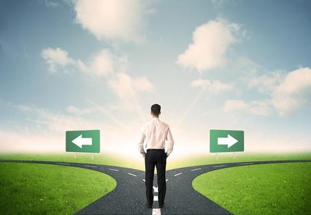 Konzept der wichtigsten Entscheidungen eines Unternehmers Standard-Bild - 38133262