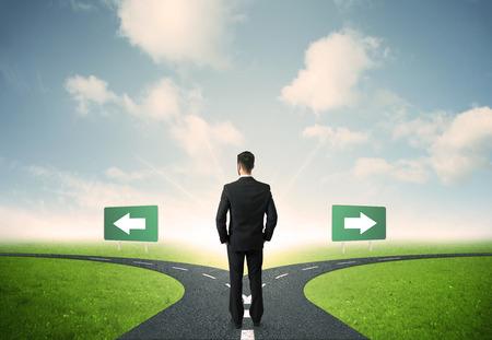 사업가의 중요한 선택의 개념