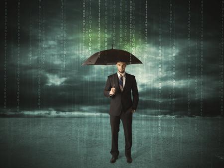 proteccion: Hombre de negocios de pie con paraguas concepto de protección de datos en el fondo
