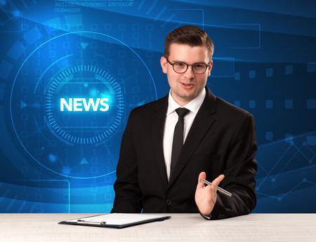 presentador de Televisión moderna diciendo la prensa con el fondo del concepto de tehnology