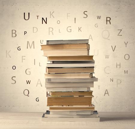 빈티지 오래 된 배경에 비행 편지와 책
