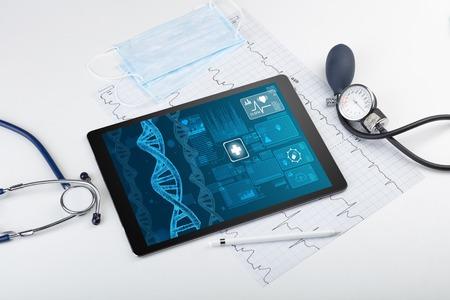 Concepto de biotecnología con dispositivos de tecnología médica. Foto de archivo