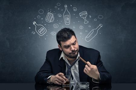 Pijany i wyjęty człowiek z koncepcją doodle butelek alkoholu