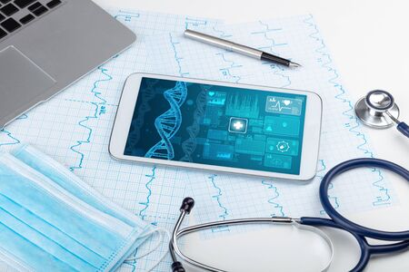 Genetic test and biotechnology concept with medical technology devices Standard-Bild