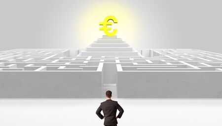 Man standing in front of a big round maze with profit concept on the middle Stock fotó
