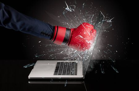 Strong arm boxing laptop screen strongly 版權商用圖片