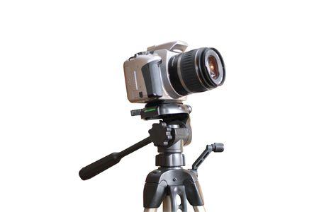 Digitale camera op een statief. Geïsoleerd object. Witte achtergrond.