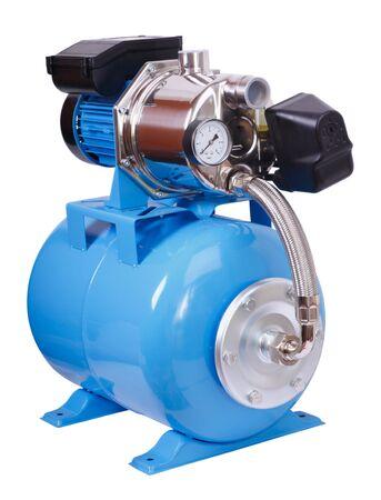 가정용 개별 펌프 스테이션. 전기 고압 펌프 - 화이트 격리입니다. 스톡 콘텐츠