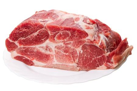 vlees: Een stuk bevroren vlees geïsoleerd op een witte achtergrond