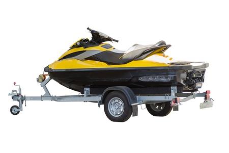 trailer: Amarillo moto de agua en un remolque aisladas sobre fondo blanco Foto de archivo