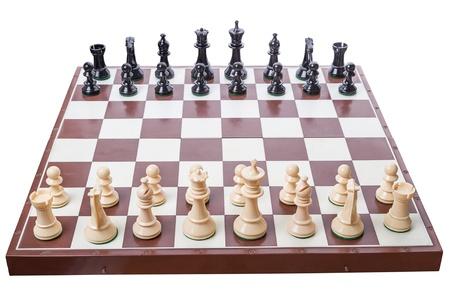empezar: Tablero de ajedrez creado para comenzar un juego aislado en el fondo blanco