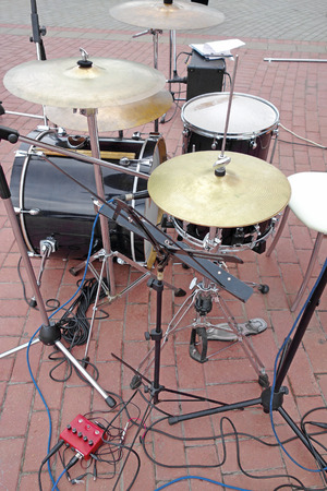 musical theater: Percussion instruments pop group outdoors