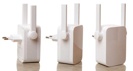 Wifi ist eine Familie von Funktechnologien, die häufig für die drahtlose lokale Vernetzung (WLAN) von Geräten verwendet wird