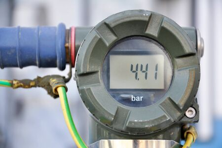 The pressure transmitter installed on process equipment Banque d'images