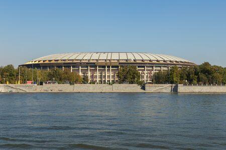 Moscow, Russia- 21 September 2014: Luzhniki Stadium, national football stadium of Russia. Part of the Luzhniki Olympic Complex located in Khamovniki District. 新聞圖片