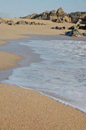 travler: Footprints going over a sand dune