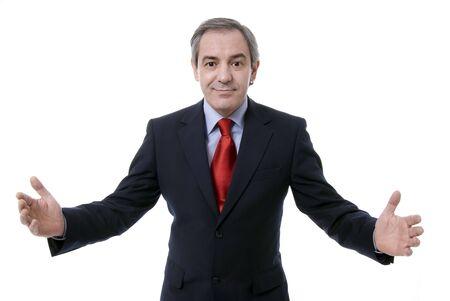 Uomo d'affari di successo con le braccia aperte, isolato su sfondo bianco