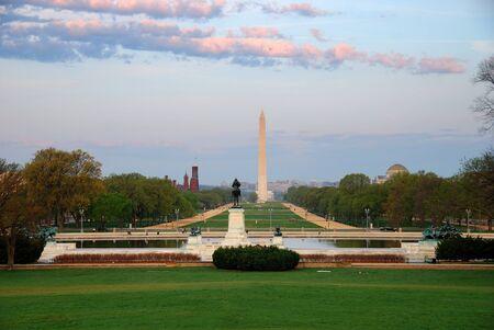 george washington: Centro comercial nacional con el monumento a Washington, Washington DC, Estados Unidos