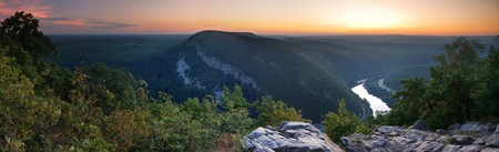 Mountain peak view panorama at dusk with river and trees from Delaware Water Gap, Pennsylvania. Stock Photo - 7427438