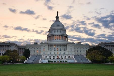 의사당 다채로운 구름, 워싱턴과 아침에 근접 촬영 건물. 스톡 콘텐츠
