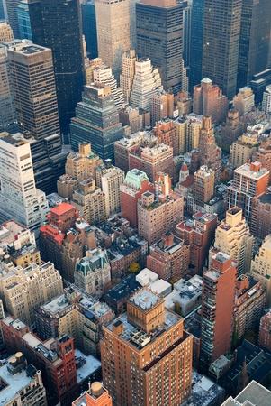 ニューヨーク市のマンハッタン スカイライン眺め通りや夕暮れ高層ビル. 写真素材