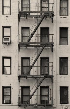 Manhattan Wohnung treppe außerhalb der alten gebäude in york city manhattan